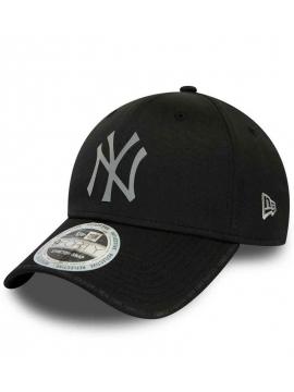New Era New York Yankees 9Forty Stretch Reflective Performance Black