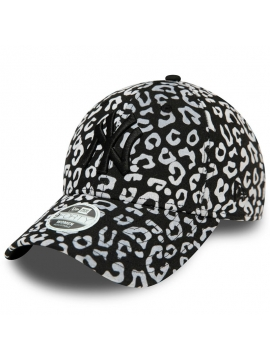 New Era 9Forty Women New York Yankees Flocked Animal Print White